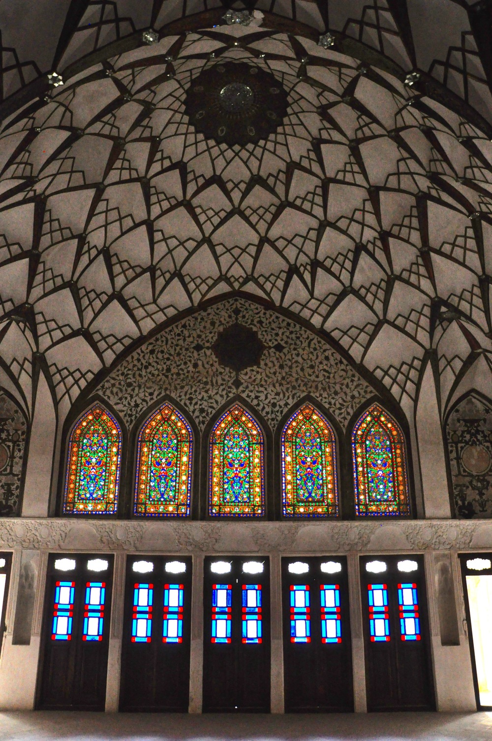 geometric-ceiling-and-glasswork-in-tabatabaei-house-kashan-iran