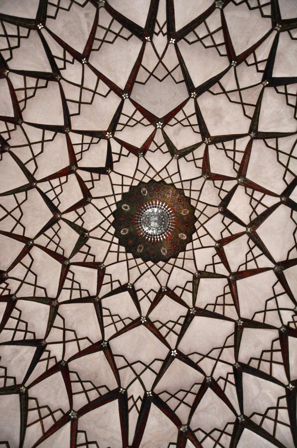 geometric-ceiling-tabatabaei-house-kashan-iran