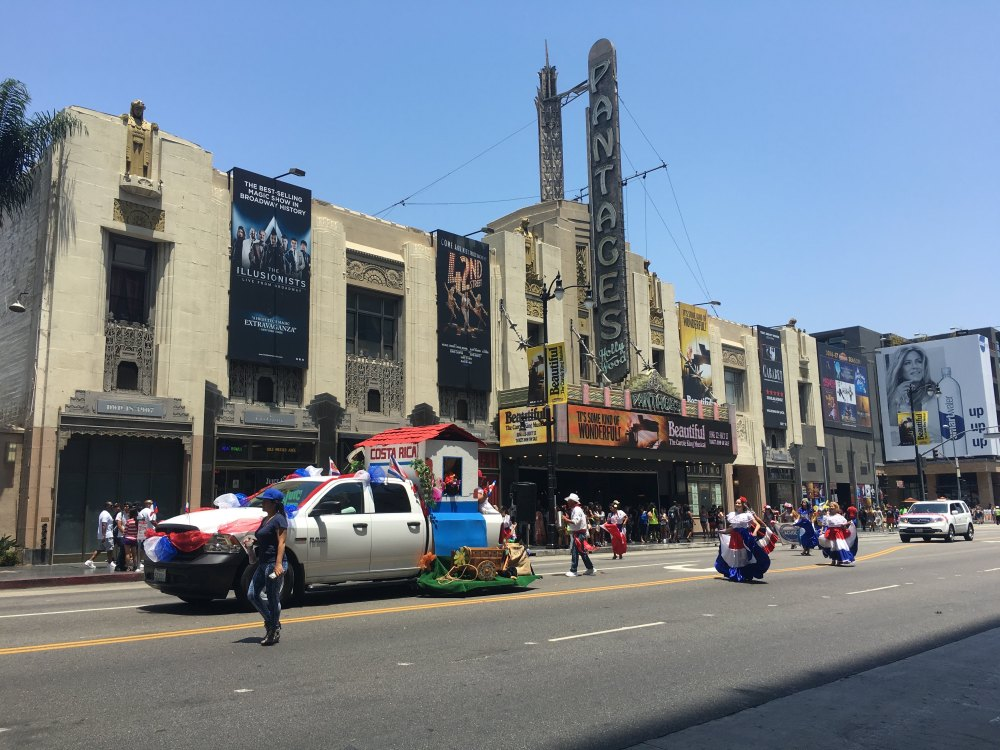 hollywood-carnival-4
