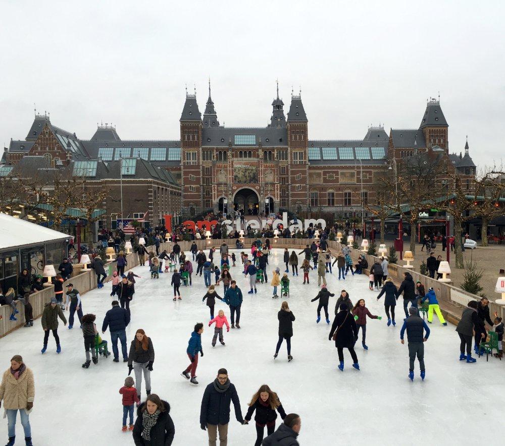 rijksmuseum-ice-rink-amsterdam
