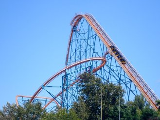 six_flags_rollercoaster_x