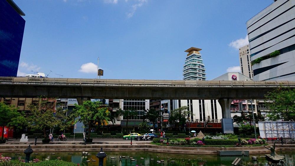 bangkok-phrom-phong-Benchasiri-Park