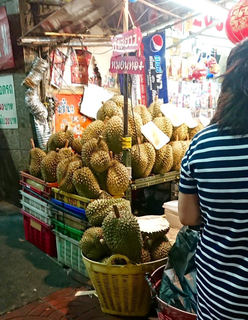 bangkok-chinatown-durian-meyvesi