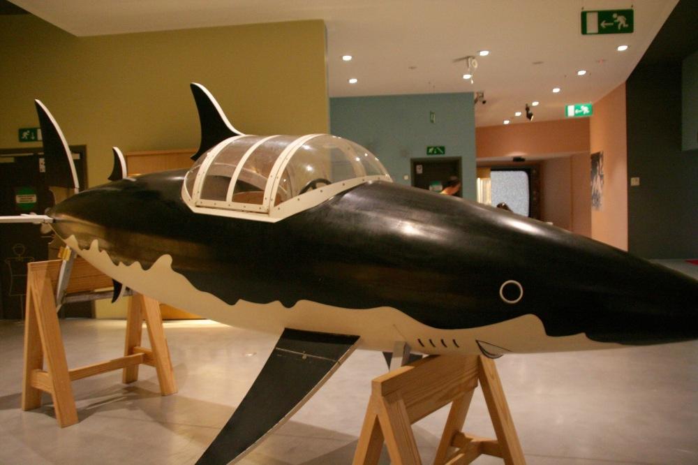 #tenten #tintin #herge #hergemuseum #köpekbalığı #denizaltı #sharksubmarine #kızılkorsanınhazinesi #turnösol #letresorderackhamlerouge