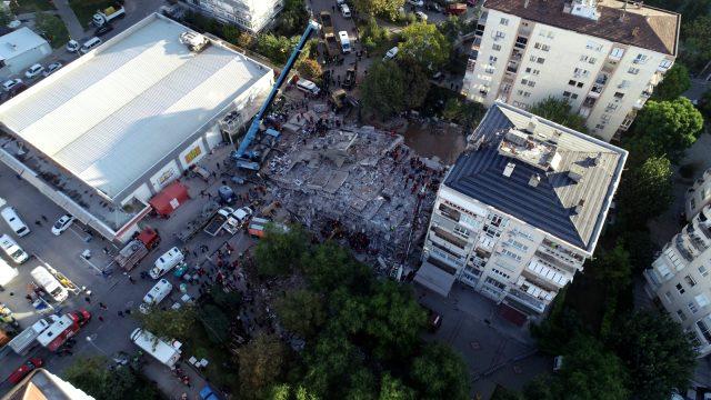 Bayraklı İzmir deprem Doğanlar Apartmanı enkaz
