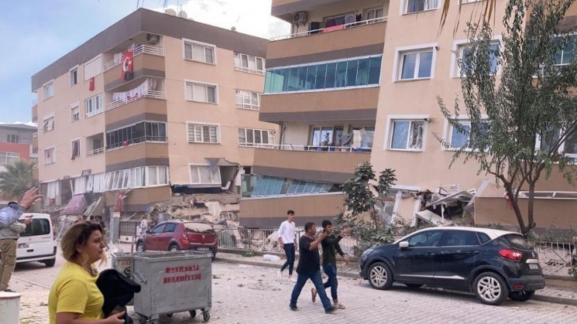 Bayraklı İzmir Deprem enkaz bina